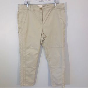 Chicos size 3 / XL tan cropped casual Pant